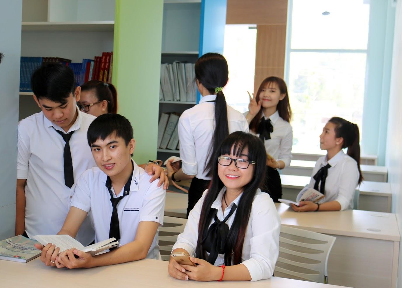 Hướng dẫn thủ tục nhập học và tra cứu trúng tuyển