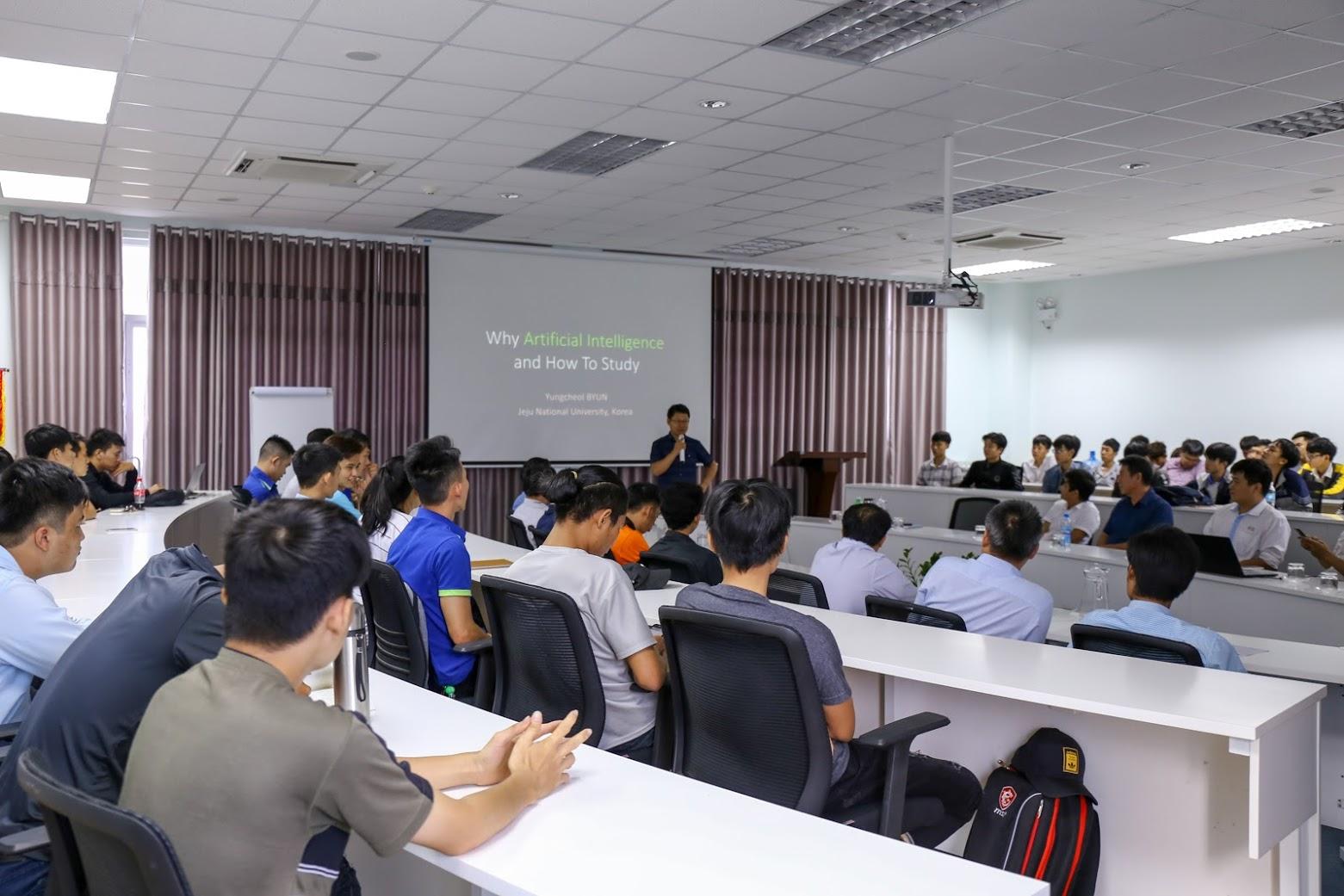 Một số đề xuất và kiến nghị trong giảng dạy theo định hướng ứng dụng nghề nghiệp