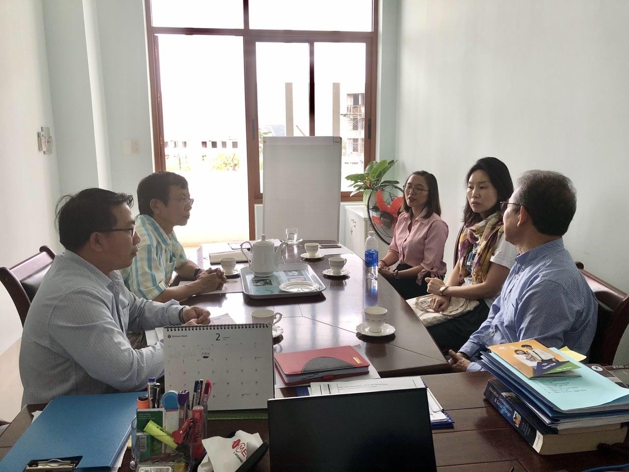 Giảng viên Hàn Quốc cộng tác với ngành Đông phương học