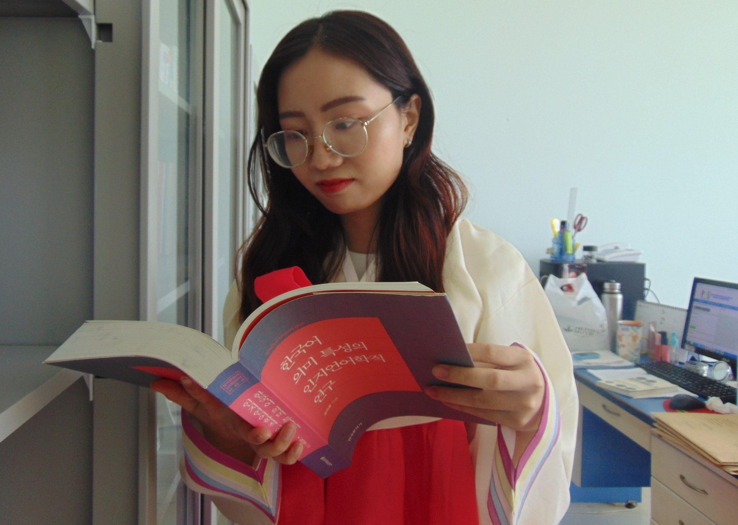 Sinh viên Trần Thị Anh Thư chia sẻ 5 lý do yêu thích ngành Hàn Quốc