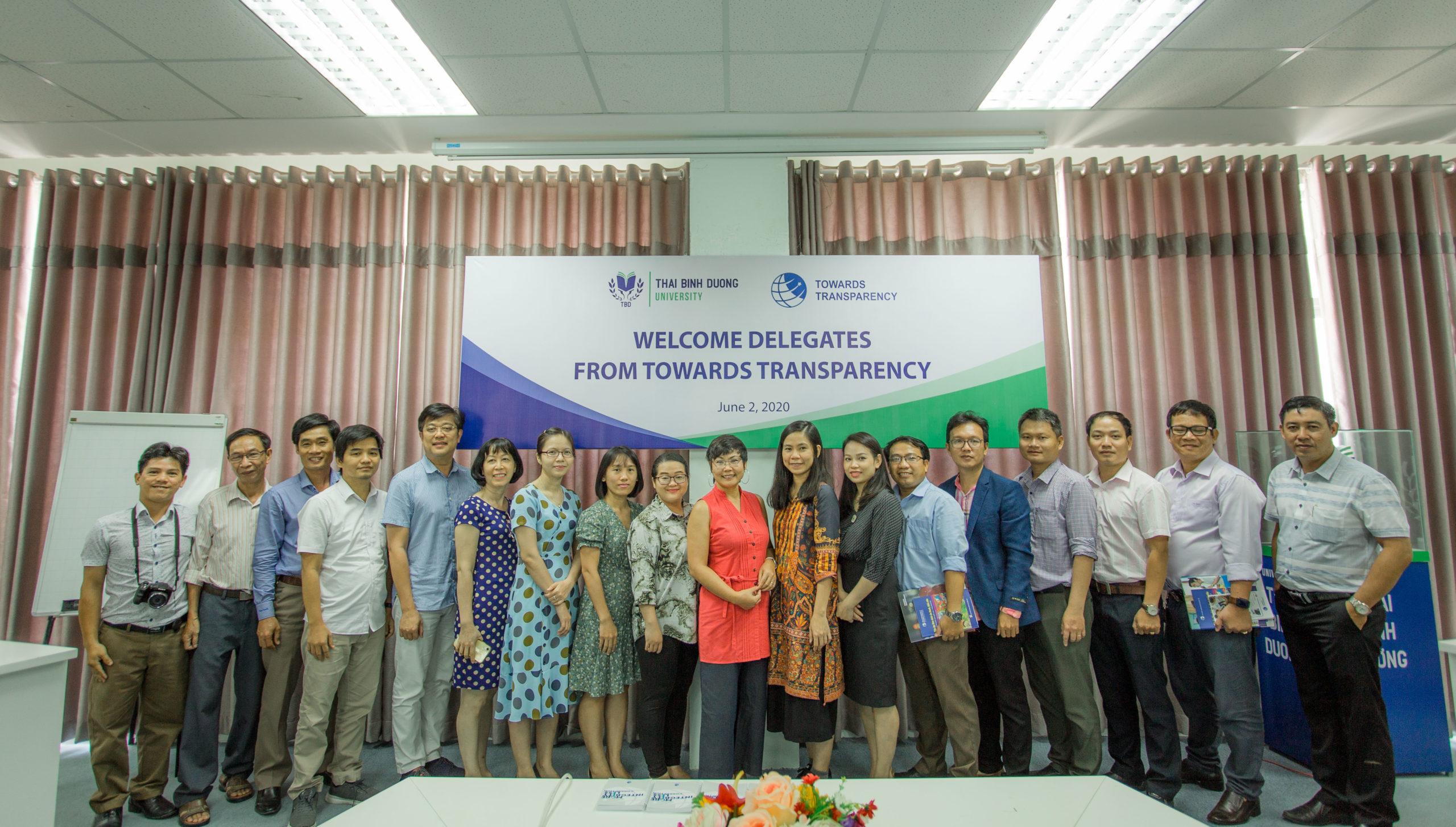 Tổ chức Hướng tới Minh bạch thăm và làm việc tại Đại học Thái Bình Dương