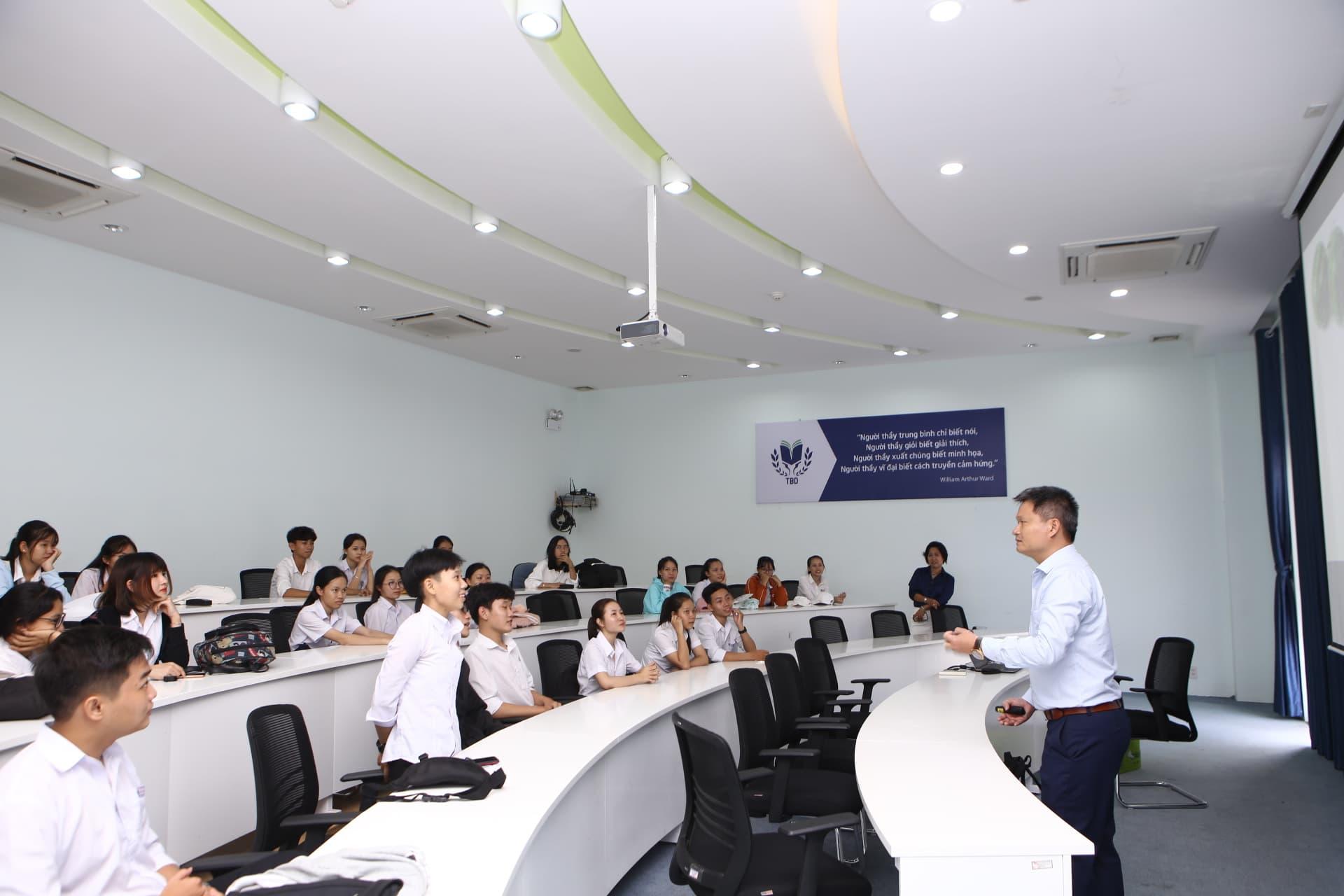 Trường Đại học Thái Bình Dương: Tổ chức hoạt động trải nghiệm cho hơn 200 học sinh THPT