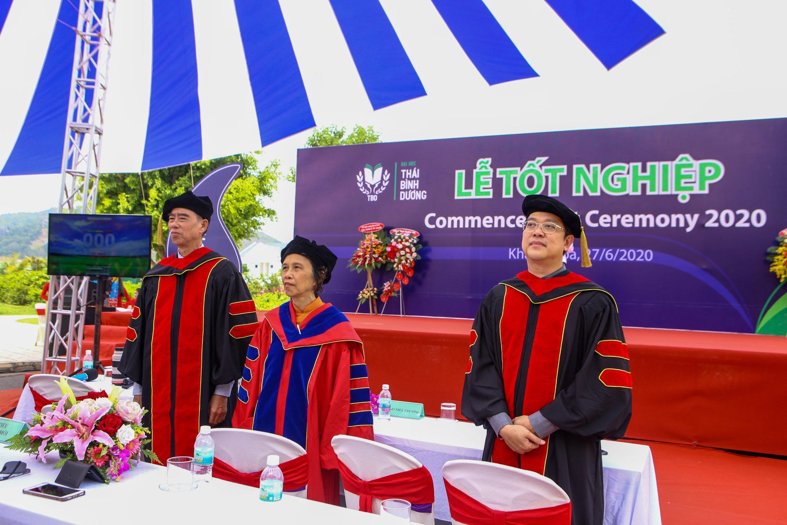 Ấn tượng Nghi thức Tri ân quý phụ huynh trong Lễ tốt nghiệp 2020