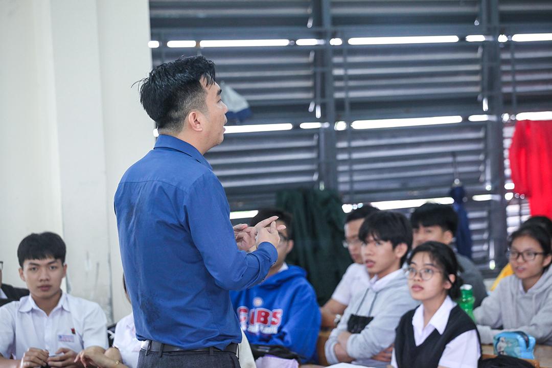 Học sinh THPT Phạm Văn Đồng 2