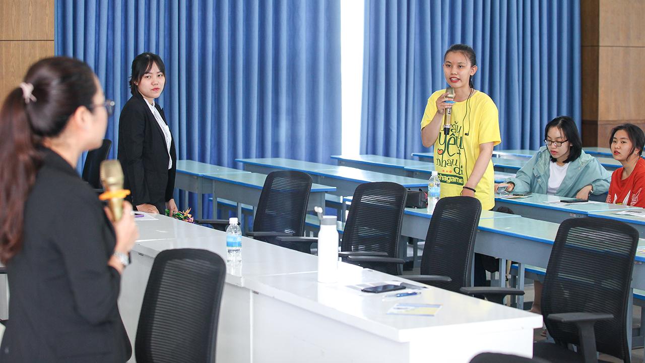 Chương trình sinh hoạt công dân cho sinh viên ĐH TBD