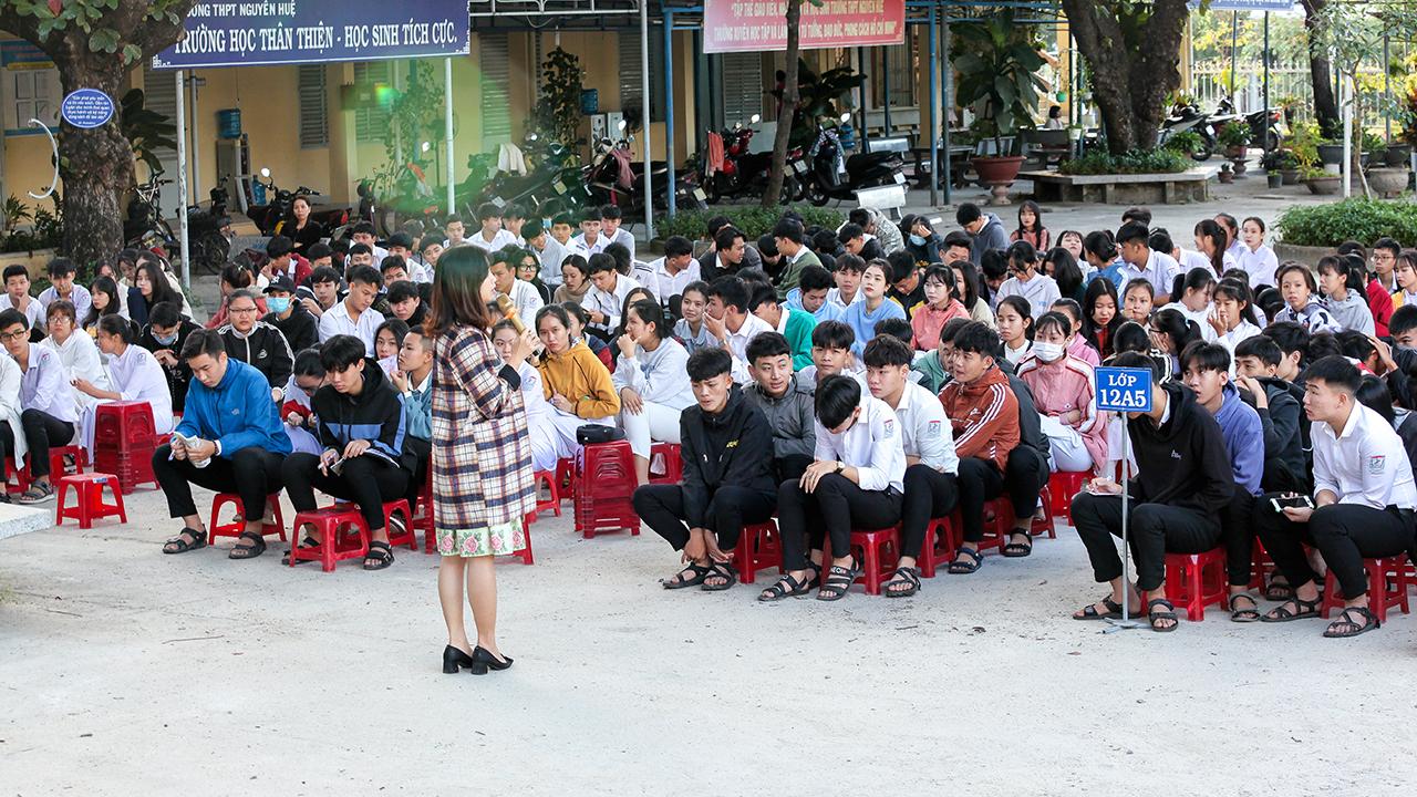 Hướng nghiệp nghề gần 700 học sinh THPT tỉnh Khánh Hòa