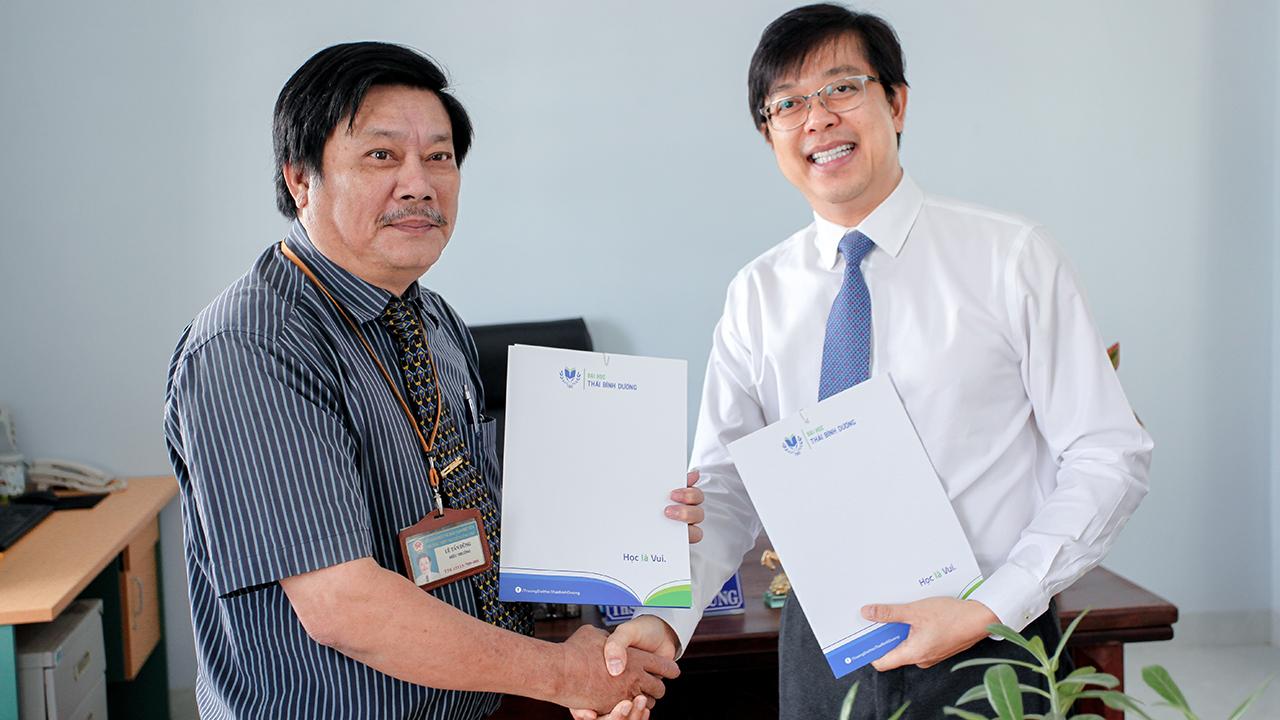 ĐH TBD ký kết biên bản ghi nhớ với trường THPT Nguyễn Công Trứ (Phú Yên)