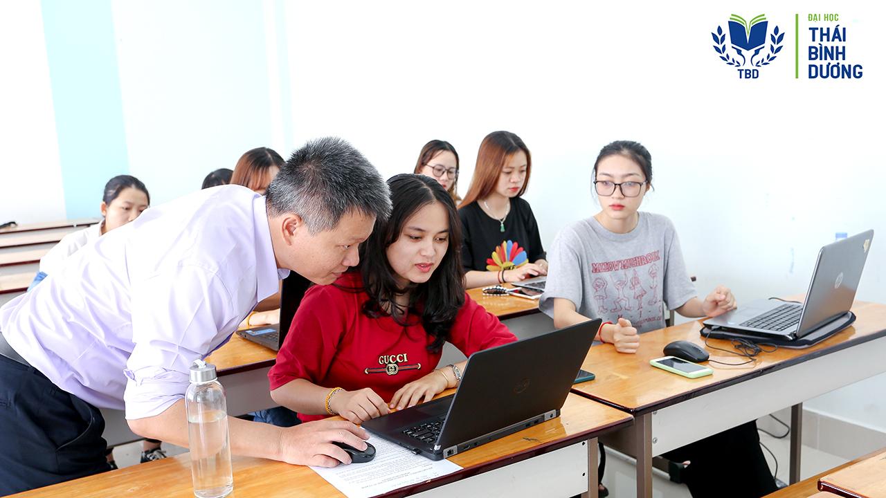 Cơ hội học bổng ngành kế toán ở ĐH TBD